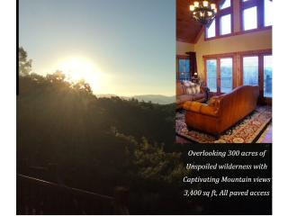 Private Luxury Lodge w/Captivating Mountain Views, Ellijay