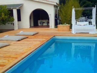 Stunning villa with private pool and beach, Pula