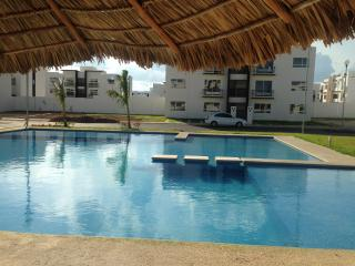 Beautiful furnished apartment with pool, Playa del Carmen