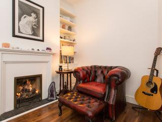 Magnificent 2 Bedroom Imperial Wharf Apartment, London
