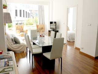NEW, CENTRAL, FULL AIR CO, PARKING (OPTIONAL), Granada