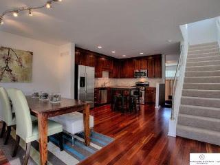 Gorgeous, Clean Downtown Home Near Old Market, Zoo, Omaha