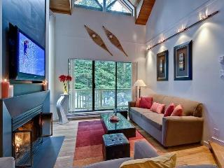 Modern & Luxurious 3BR / Amazing Location!, Whistler