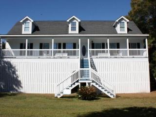 Gorgeous Folly Beach Home (5BD/4BA) -1 Block off Beach-Fully Equipped for Fun & Entertaining!