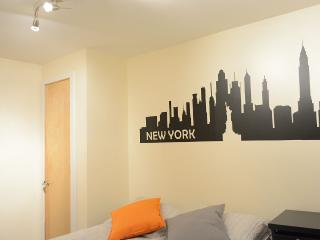 Shared Apartment: Private Double Room - Queen Bed, Brooklyn
