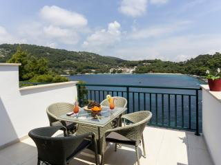 Apartments Posta - One-Bedroom Apartment with Terrace and Sea View (3 Adults) - Apartman 6, Saplunara