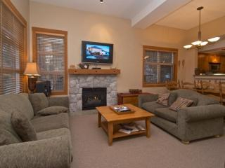 Luxurious Mountain Star 3 Bedroom Townhouse, Whistler