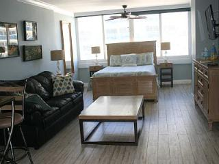Completely redone - Come Enjoy This New Room, Fort Lauderdale
