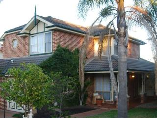 Highclaire House Bed & Breakfast - The Rose Valley, Sydney