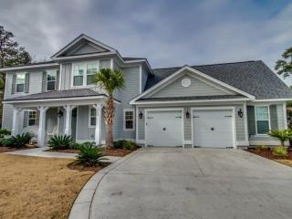 North Beach Plantation Lux 4BR 4BA~Private Pool, Hot Tub, 2.5 Acres Pools~Salt Creek 4964~Sleeps 10, North Myrtle Beach