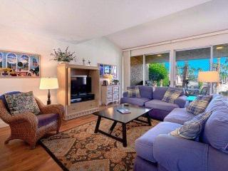 New Listing -- Beautiful 3 BR/3 BA Villa Ironwood CC -- East Facing Patio Steps to Pool & Spa, Palm Desert