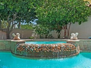 Uncork & Unwind!! Your Private Oasis, Private heated Pool & Spa in Desert Breezes Tennis Resort, Palm Desert