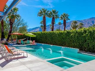 Glass & Steel House~SPECIAL- TAKE 15%OFF ANY 4NT STAY ITHRU 2/12-CALLNOW, Palm Springs