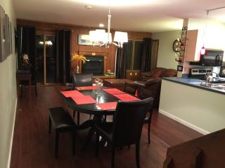 Townhouse by Shawnee Mt. -Jacuzzi, WiFi, Pool, Shawnee on Delaware