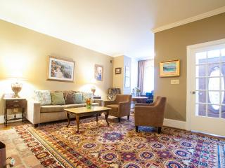 Beautiful townhouse! 10 minutes walking to Capitol, Washington DC