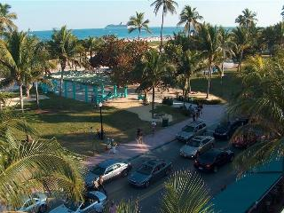 1 Bdrm Condo on Ocean Dr- Direct Across from Ocean, Miami Beach