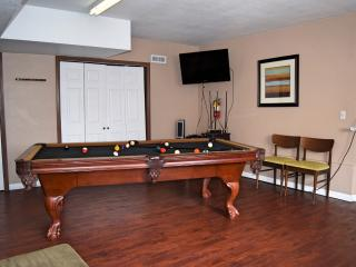 Rahma Getaway - Hot tub! Pool Table! Air Hockey!, Big Bear City