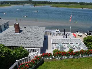 Sunset Cottage: Direct waterfront with two decks on the Annisquam River..., Gloucester
