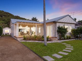 CURRAWONG HOUSE - Contemporary Hotels, Palm Beach