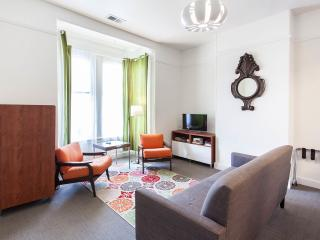 Bright one-bedroom NOPA apt in the Center of SF, San Francisco