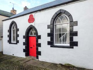 OLD ODDFELLOWS HALL, pet-friendly cottage, woodburner, WiFi, in Brough, Kirkby Stephen, Ref 929936