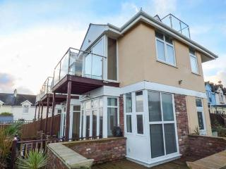 SEA VISTA en-suite, sea views, balconies, WiFi, pet friendly in Paignton ref 931131