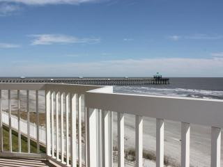 Gorgeous Ocean Front Villa-4BD/3BA-Perfect For Any Beach Lover Year Round!, Folly Beach