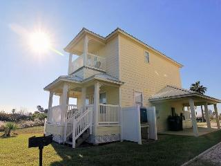 Newer 2 bedroom 2 bath home in the gated Bella Vista Community!, Port Aransas