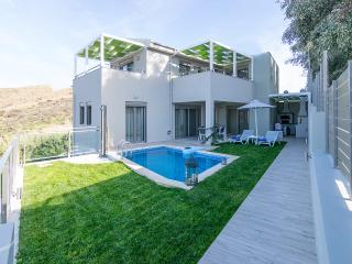New luxury villa, Walking distance to the beach, Panormos