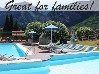 Great Riva Family apartment, Pool & mountain views, Riva Del Garda
