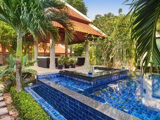 Fantastic 5 bedroom villa 2 mn to Nai Harn Beach