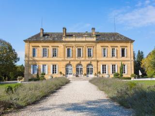 Chateau Isly And Cottage, Lanouaille