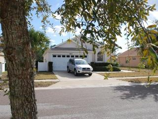 Tranquil Family Villa with Private South Facing Pool ~ RA65410, Clermont