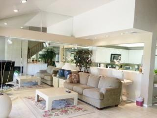 3 BR, 3 BA Double Master with Beautiful View of 10th Fairway Woodhaven Country Club, Palm Desert