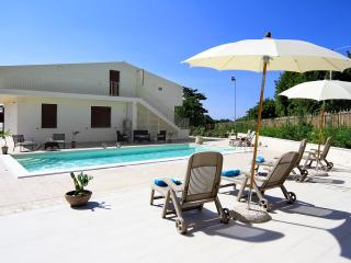 Villa Ciuridda with pool wifi bbq garden privacy, Sampieri