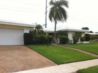 Rare Waterfront/ Ocean- Access Pool Home, Boca Raton