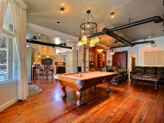 One of the most unique homes in Savannah Georgia. Sleeps 2-16 with plenty of activities for all of your friends and famiily.