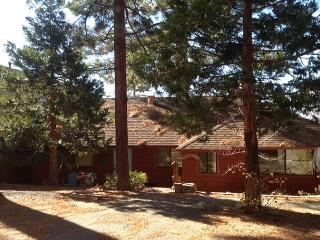 A rare find!  Cozy classic Tahoe cabin on the lake., Zephyr Cove