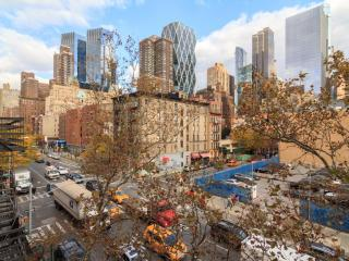 1BR~Walk from Columbus circle~W/D in Unit, New York City
