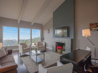3BR Oakland Hills Stunner Bay Views