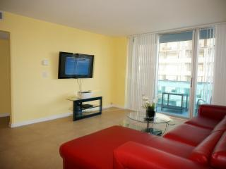 OCEANFRONT 2/2 ON THE BEACH 8FL, Hollywood