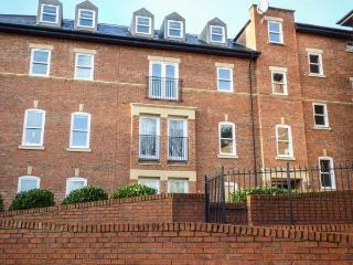 38 COLLEGE COURT, WiFi, off road parking, Ripon, Ref 929597