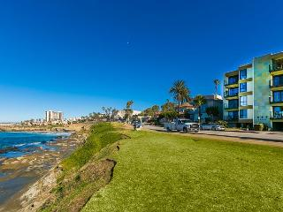 Glorious and unobstructed panoramic ocean views steps to the sand, La Jolla