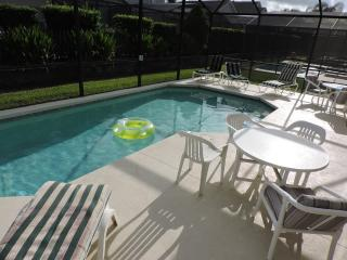 Luxury 5 Bed 3 Bath villa with unique games room, Kissimmee