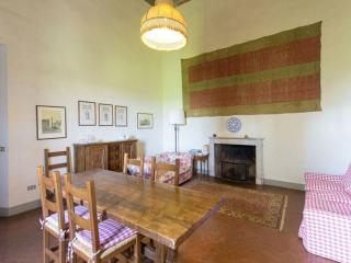 Tuscan Apartment in Historic Castle - Il Castello 35, Montespertoli