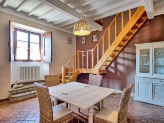 Tuscan Apartment in Historic Castle - Il Castello 28, Montespertoli