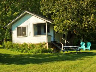 Green Acres Cabins on beautiful Lake Willoughby, Westmore