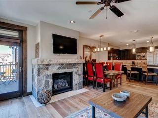 Perfectly Priced Breckenridge 2 Bedroom Walk to lift - WF310