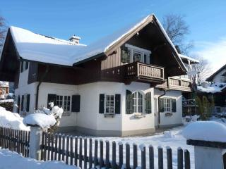 4 Star Alpine Accommodation in Spacious Home, Garmisch-Partenkirchen
