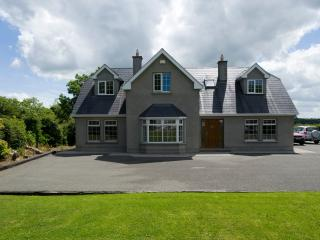 Excellent Country Home accessible to City, Dublin
